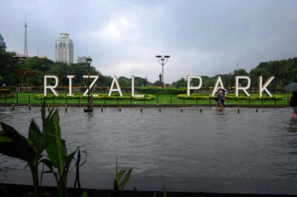 rizal-park-manila-flood